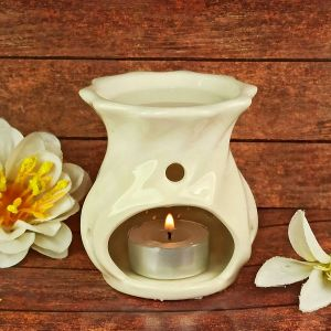 Ceramic Tealight Candle Aroma Oil Burner/Diffuser with 2 pc Tea Light Candle