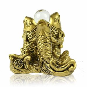 Vastu/Feng Shui 3 / Three Fishes with A Crystal Ball for Wealth