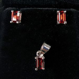 925 Sterling Silver Garnet Gemstone Silver Pendants With Earring set,  Jewelry Set for Women & Girls  (Color : Red & Silver)