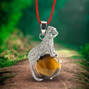 Tiger Eye Leopard Shape Pendant with Metal Polished Chain